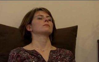 extrait du reportage BFMTV : réguler son sommeil avec la sophrologie
